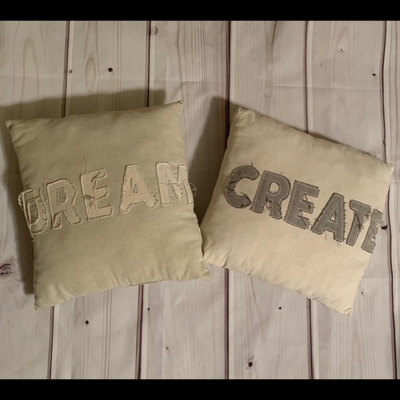 2 Decorative Rustic Pillows